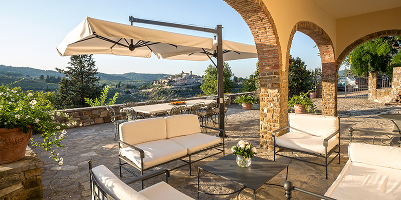 room for larger gatherings on the patio, Casa Fede
